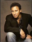 http://knightleyemma.files.wordpress.com/2008/07/aasif.jpg