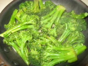 Stir-fried broccoli w/ garlic