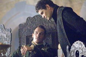 Henry (Rhys Myers) & Cromwell (Frain)