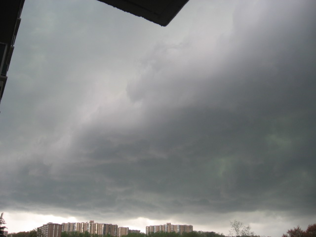 Gray clouds hovering (around 6PM)
