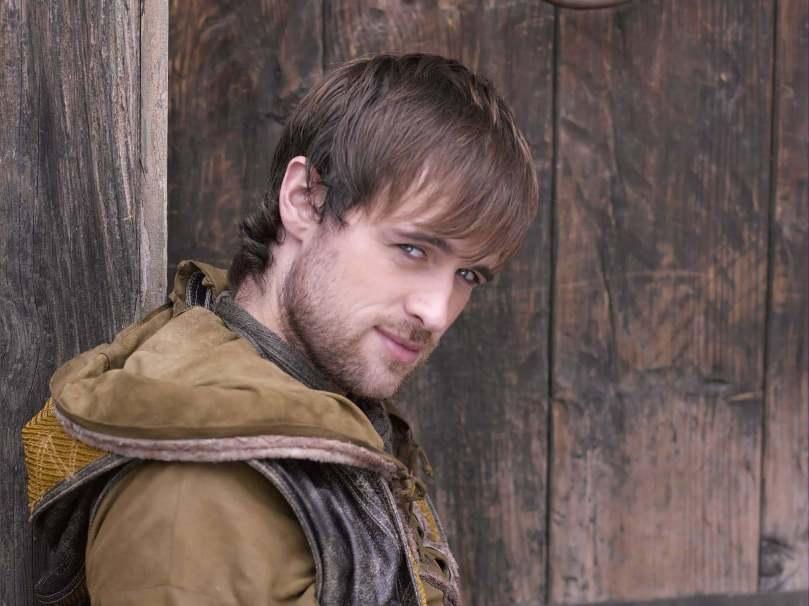 Jonas Armstrong as Robin Hood