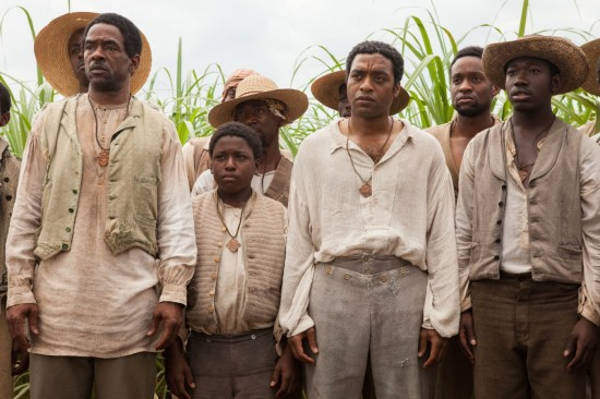 Solomon (Chiwetel Ejiofor) and fellow slaves in sugarcane field