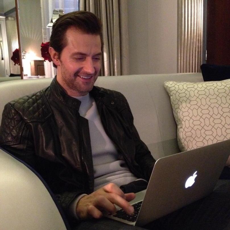 Richard tweeted to fans (via @HobbitMoviesUK account)