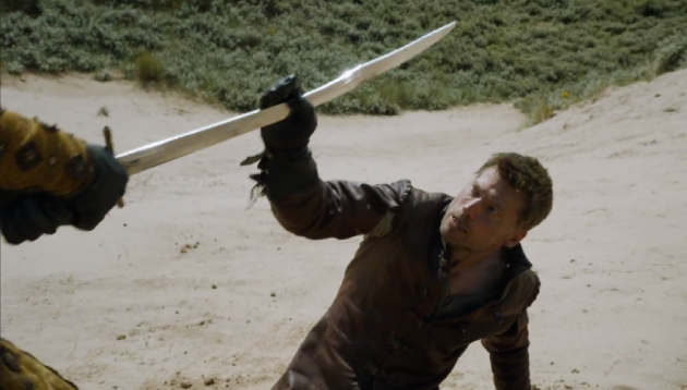 Jaime-catches-sword-630x358