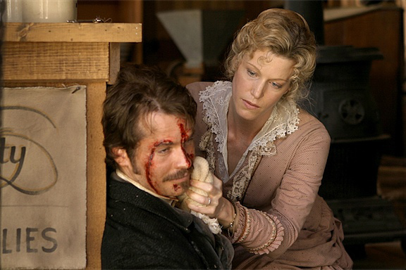 deadwood_s2_e1_bullock_wife