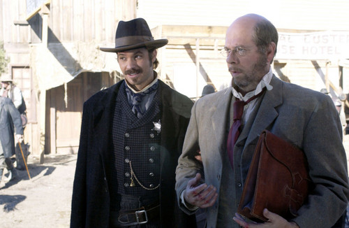 deadwood_s2_e5_hugojarry_bullock