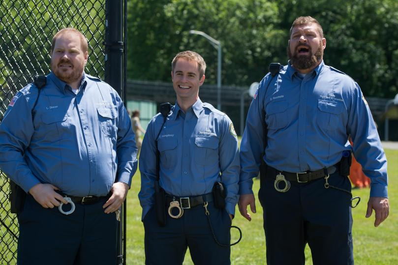 oitnb_s4_new_guards